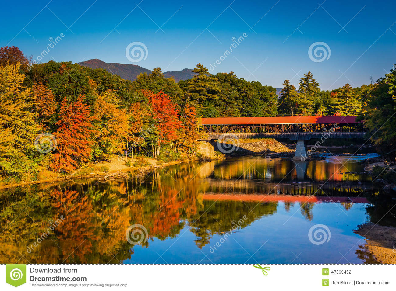 Scenic Fall Wallpaper The Saco River Covered Bridge In Conway New Hampshire