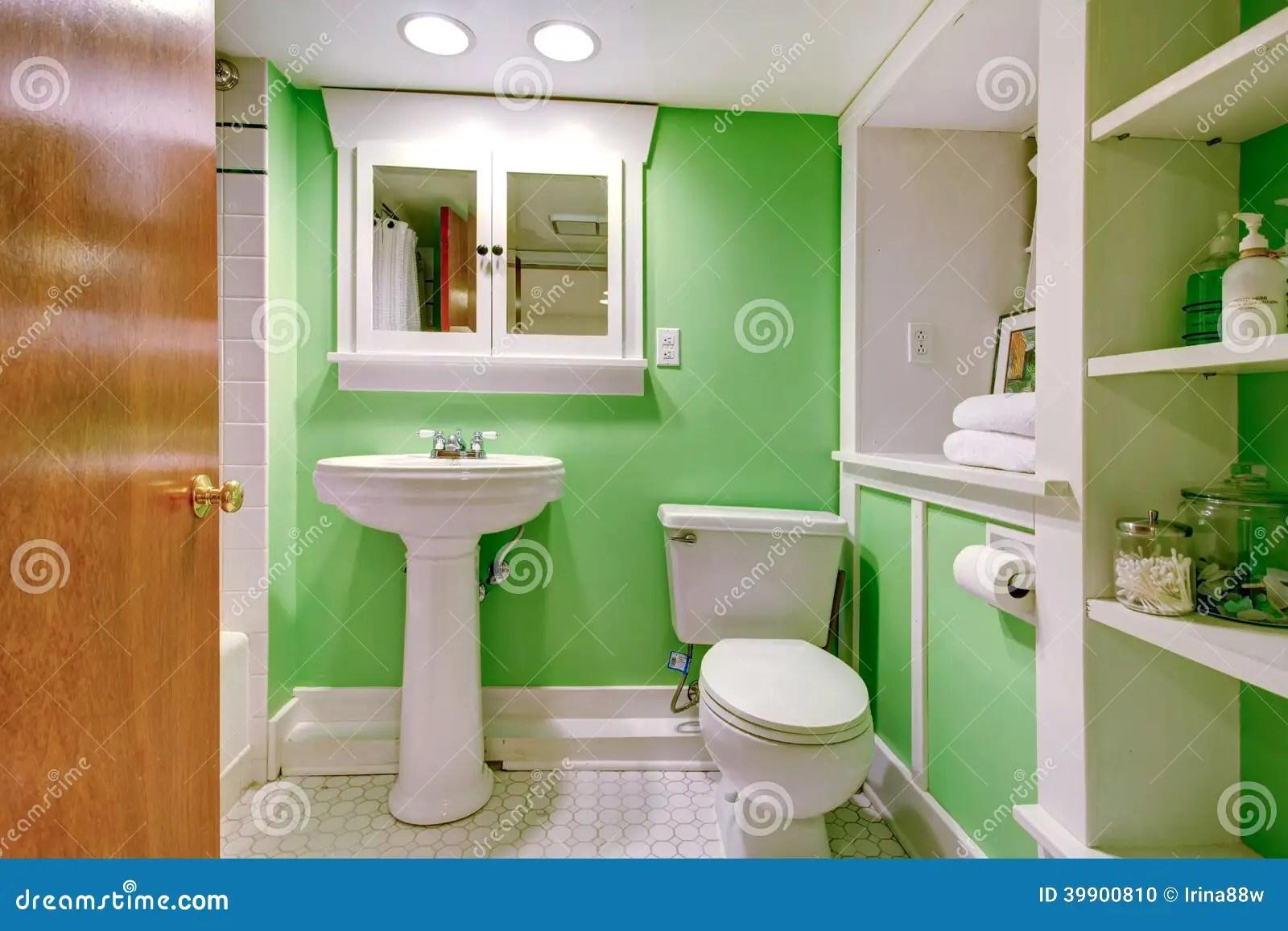 salle de bains verte et blanche photo stock image du simple vert 39900810