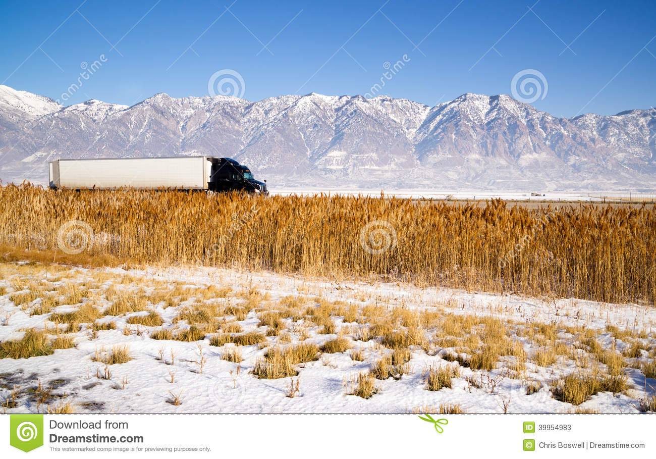 hight resolution of i 70 towing utah truck towing enclosed trailer royalty free stock photography