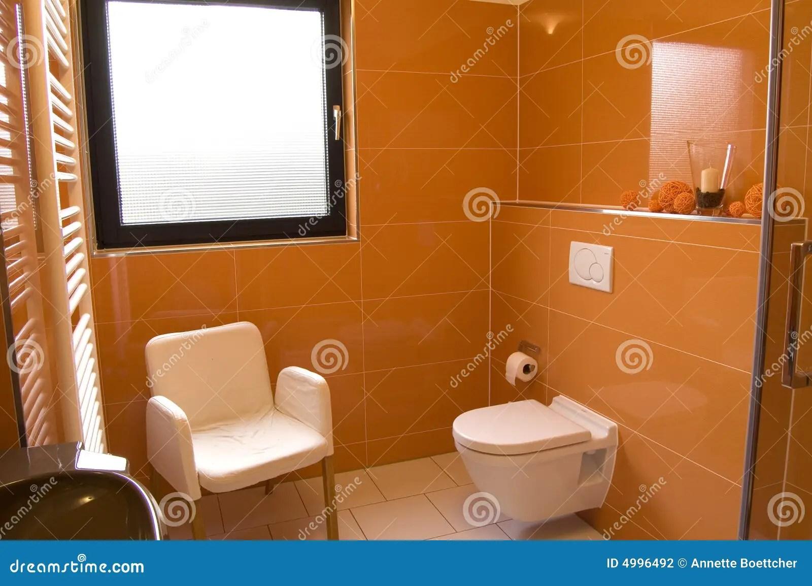 Stanza Da Bagno Arancione Moderna Fotografia Stock  Immagine di domestico lusso 4996492