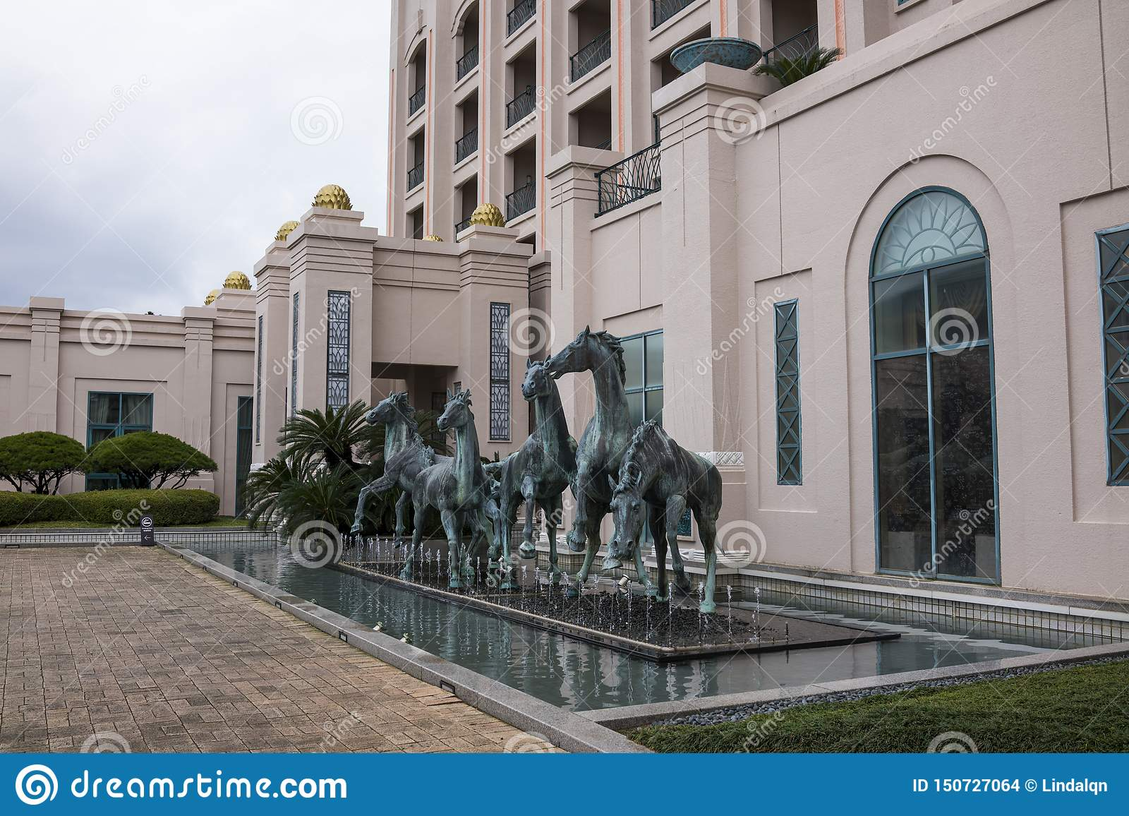 The Statue Of Horses At Lotte Hotel Jeju Editorial Stock