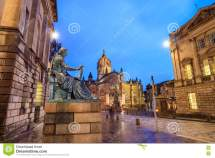 Street View Of Historic Royal Mile Edinburgh Stock