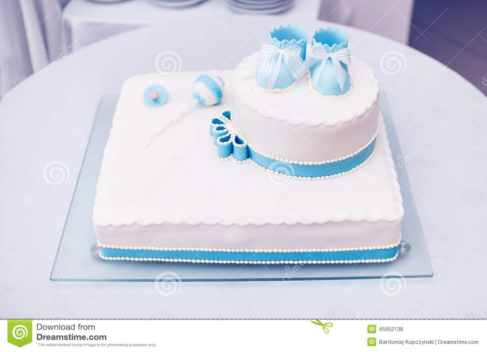 Taufkuchen stockfoto Bild von oberseite schuhe