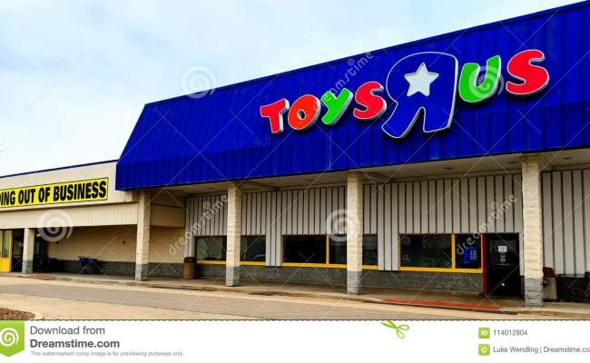 Toys R Us Going Out Of Business Editorial Stock Image