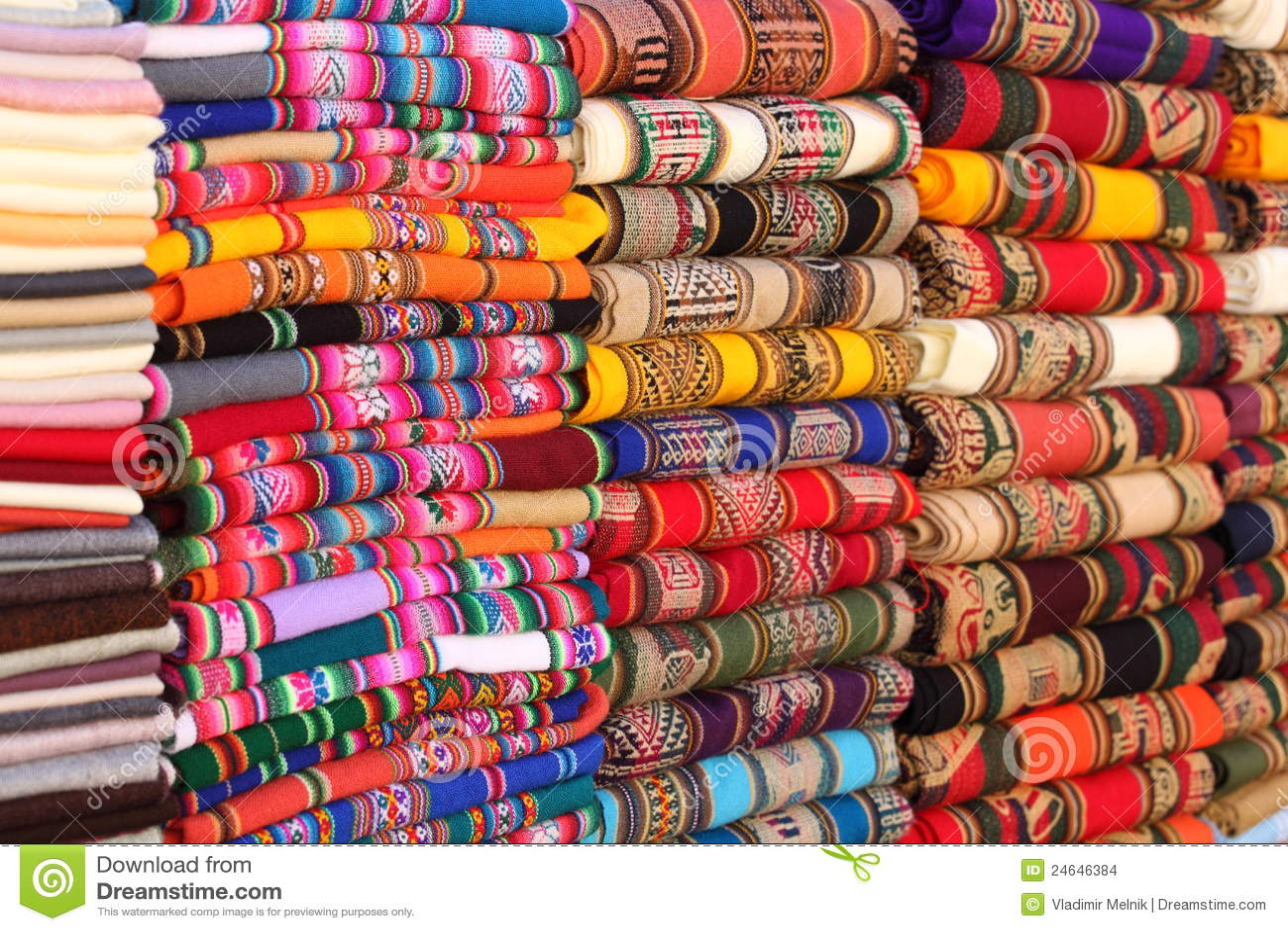 Traditionele Stoffen Van Andesgebied Stock Foto