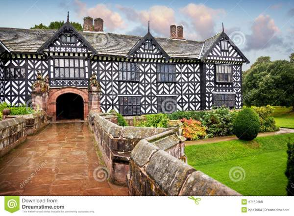Tudor Manor House Royalty Free Stock - 27150608