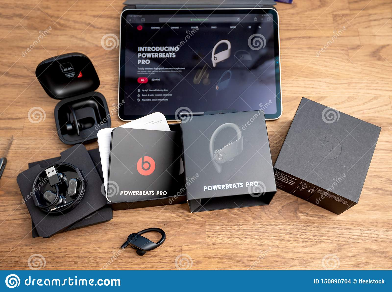 unboxing of powerbeats pro