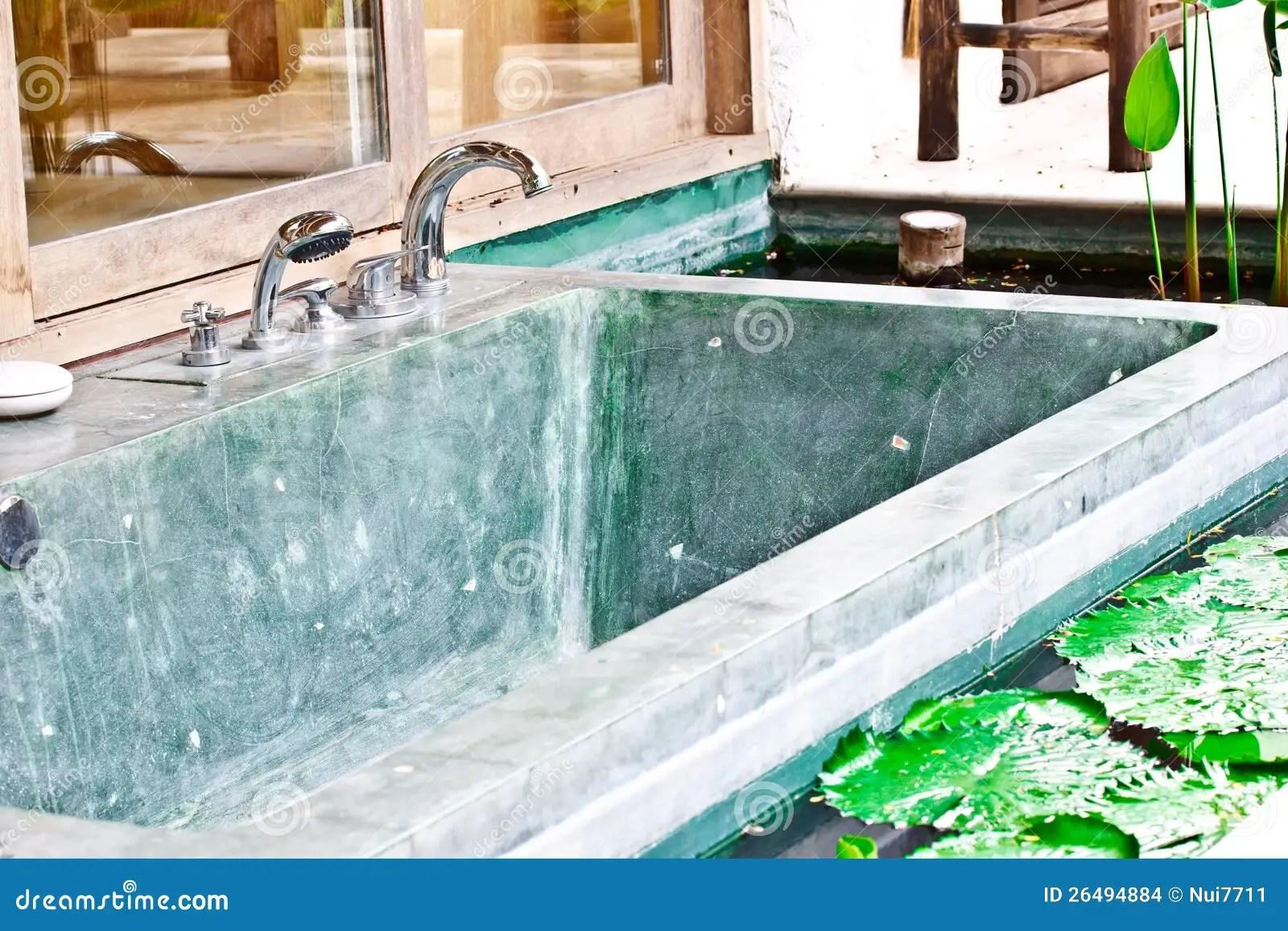 Vasche Da Bagno Jacuzzi Prezzi : Vasca idromassaggio jacuzzi prezzi vasche da esterno prezzi foto