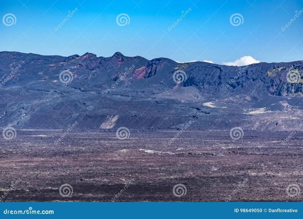 medium resolution of escena a rea del paisaje de la sierra volc n del negra el segundo mayor volc n en la tierra situada en la isla de isabela las islas gal pagos ecuador