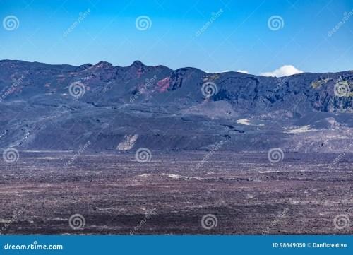 small resolution of escena a rea del paisaje de la sierra volc n del negra el segundo mayor volc n en la tierra situada en la isla de isabela las islas gal pagos ecuador