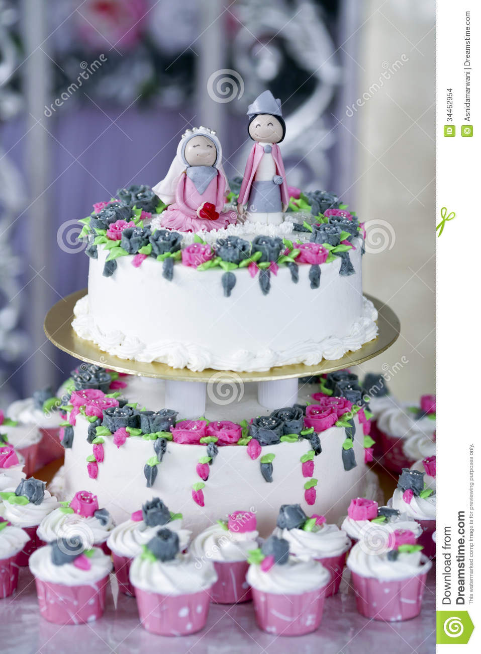 Wallpaper Download Cute Couple Wedding Cake Stock Photo Image Of Cake Bakery Love