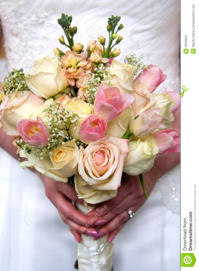 Wedding Flowers And Ring Royalty Free Stock Images - Image ...