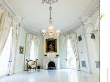 White Ballroom In The Nottoway Plantation House Editorial ...
