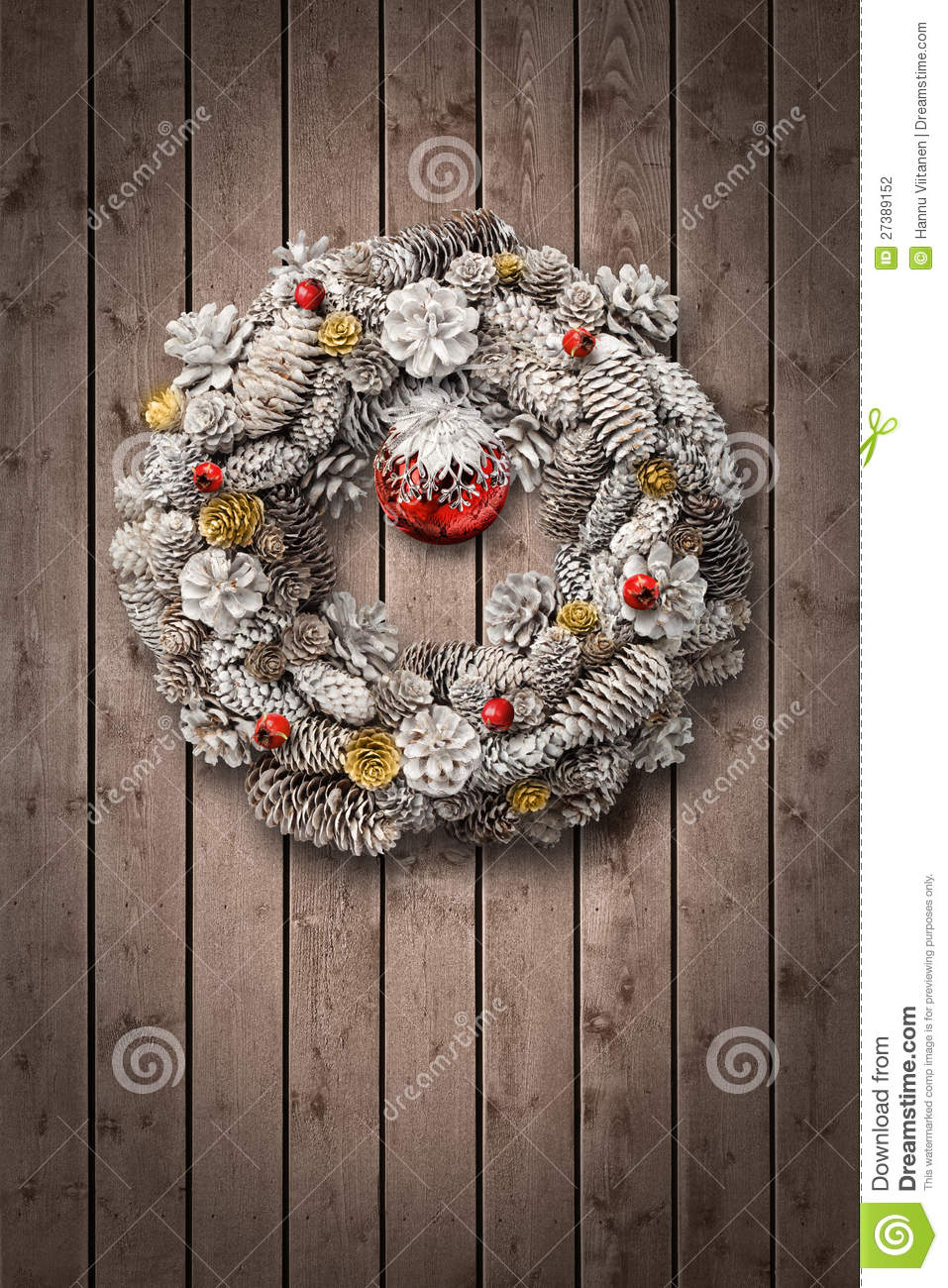 White Christmas Wreath On Wooden Door Stock Photography