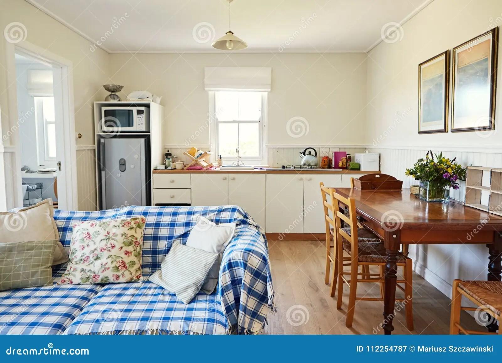 Woonkamer En Keuken : Kleine woonkamer en keuken ineen cheap in keuken woonkamer en in