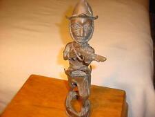 BENIN NIGERA PORTUGESE SOLDIER W / MATCHLOCK MUSKET BRASS/BRONZE STATUE