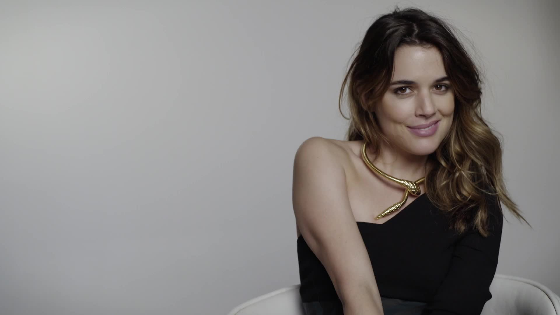 ADRIANA UGARTE by GRAZIA MEXICO GIF Find, Make & Share Gfycat GIFs