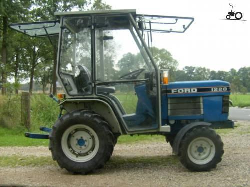 small resolution of ford 1220 hst met walter mauser cabine kleine alleskunner geplaatst door deeretown op