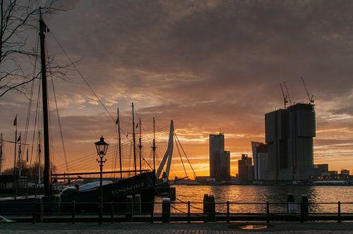 Rotterdam in de ochtendzon