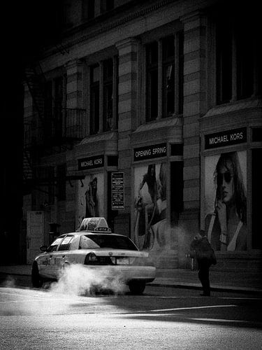 New york Taxi in blak and white