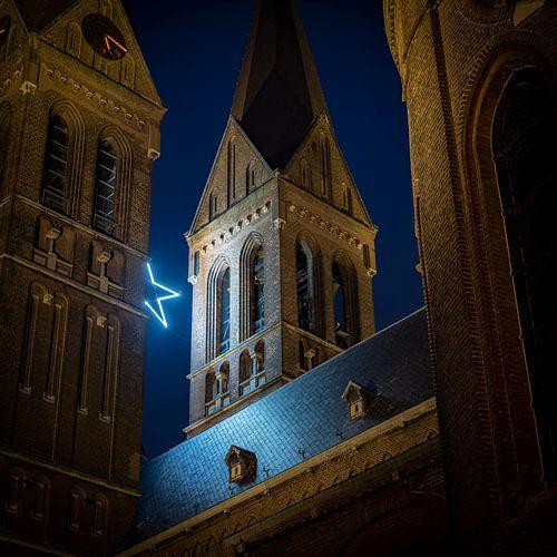 De ster tussen de kerktorens Brigidakerk Geldrop