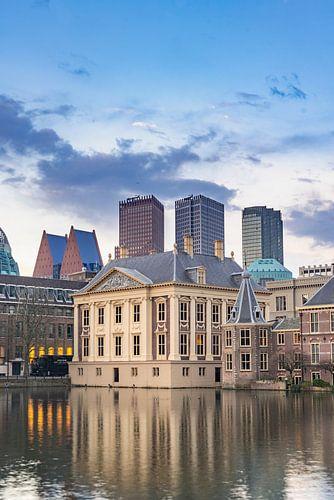 Mauritshuis Den haag bij schemering