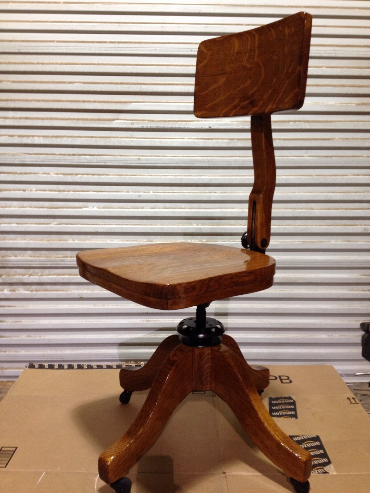 Wood Bankers Chair Antique Solid Wood Quartersawn Oak Swivel Chair 1920s