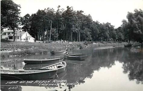 Caseville-Pigeon-River-Postcard-1930