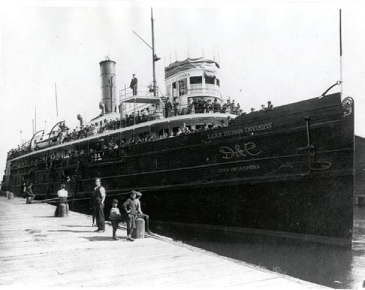 Great Lakes Ship Building