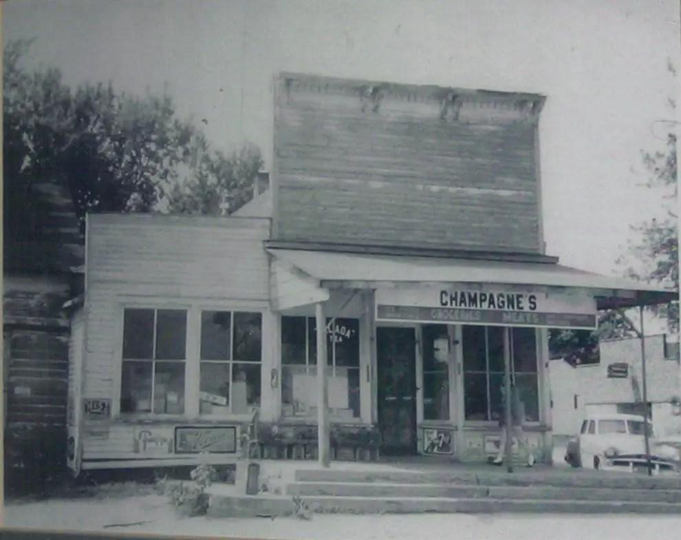 Pinnebog General Store