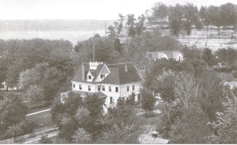 Starved Rock Hotel 1905