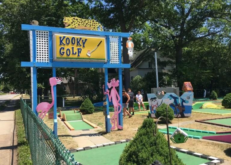 Kooky Golf Sign