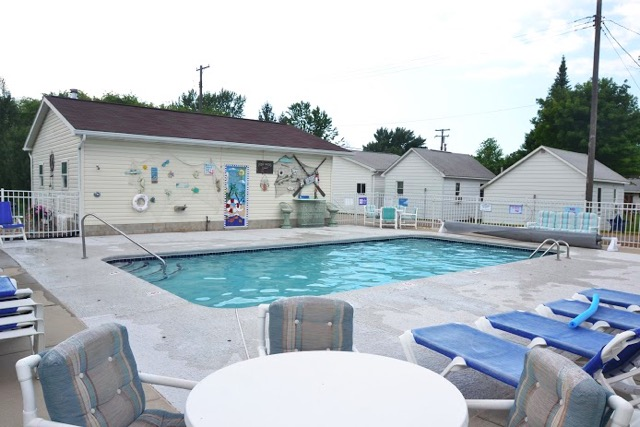 Blue Spruce Motel Pool -