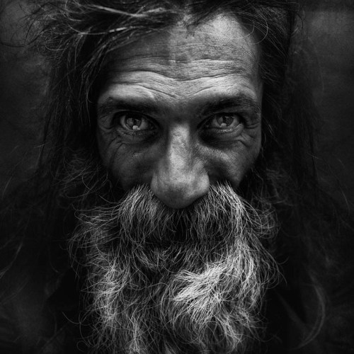homeless-black-and-white-portraits-lee-jeffries-40