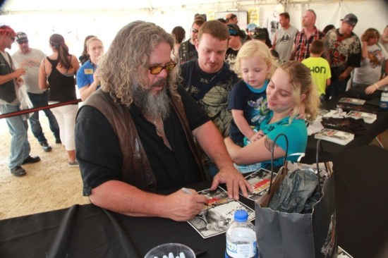 'SOA's Mark Boone Jr., a.k.a. Bobby Munson, signs autographs for fans of all ages