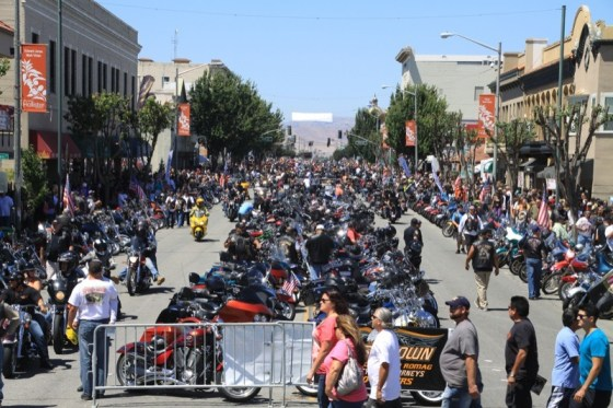 Thousands of bikers line San Benito Street for the return of the Hollister Rally