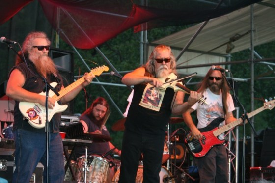 Always ready to party, The Fryed Brothers Band rocks the Run 21 faithful