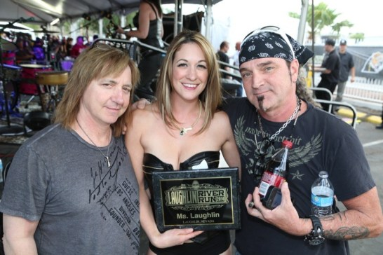 Miss Laughlin 2014 Jeanette Jacques with Great White band members Michael Lardie (r) and Scott Snyder