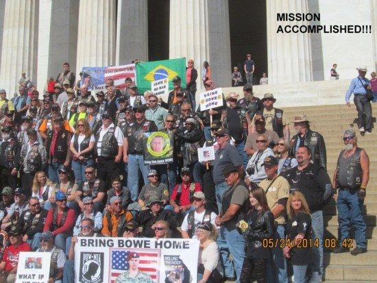 Bowe's Army on the steps of the Lincoln Memorial