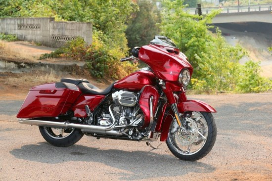 About as elegant as they come, the 2016 CVO Street Glide carries a price tag just shy of $37k