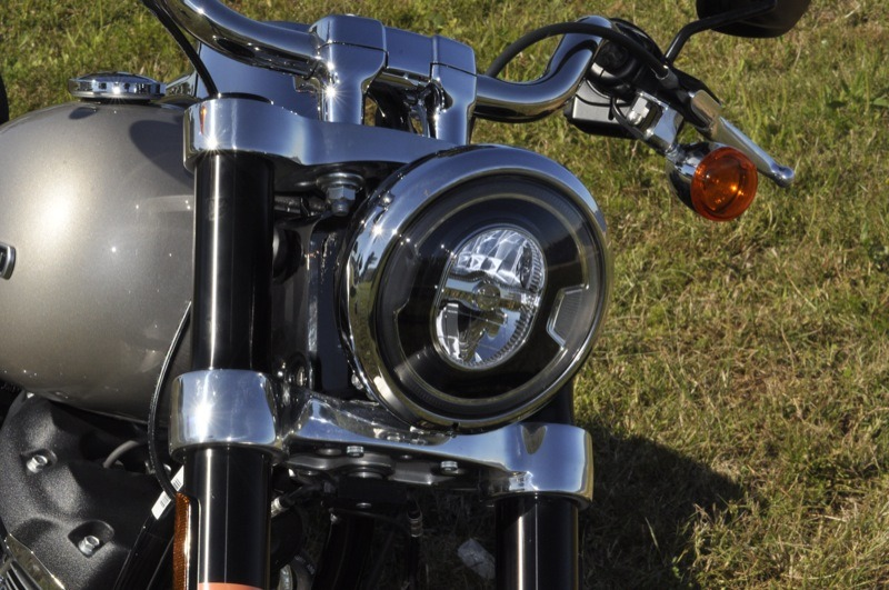 The Daymaker headlight offers plenty of plenty of visibility while the inverted front fork puts the sport in Sport Glide