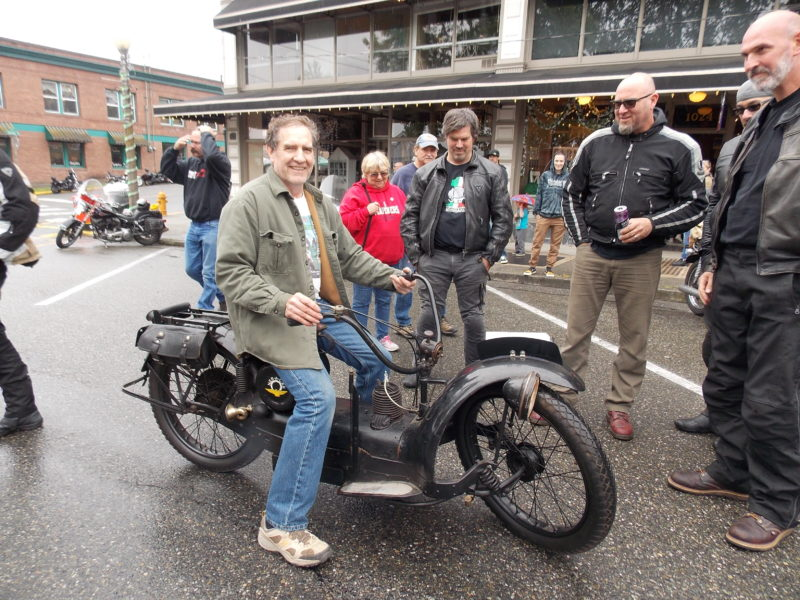 Rick attracted a crowd with his 1923 Ner-A-Car