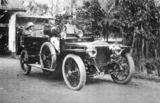 First Daimler in Ceylon with FJ de Saram at the wheel 7 passenger at rear is likely to be young Leslie de Saram