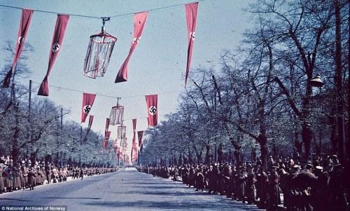 boulevard and Nazi crowds
