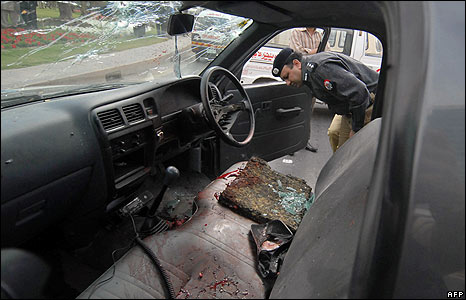 31b--bloodied van-AFP_45528082_466