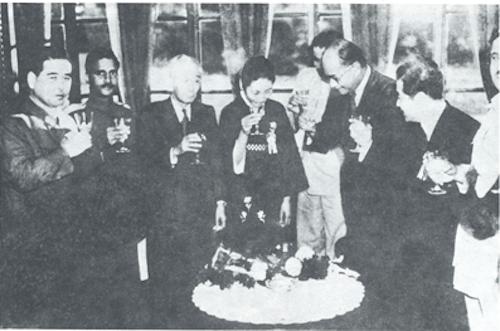 Bose toasts Jap emperor