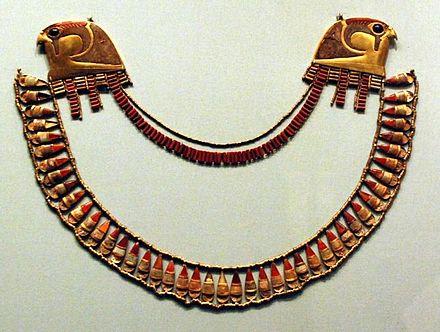 Joyas de la tumba de Wady Gabbanat el Qurud de las 3 esposas extranjeras de Thutmosis III en Museo Metropolitano de Arte de Nueva York