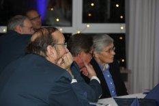Gespannte Gäste am Ehrentisch. Bild:THW/Paul Jerchel