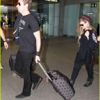 Avril Lavigne acompanha noivo na turnê do Nickelback; veja fotos