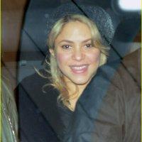 Fotos: Shakira deixa hospital com seu bebê recém-nascido